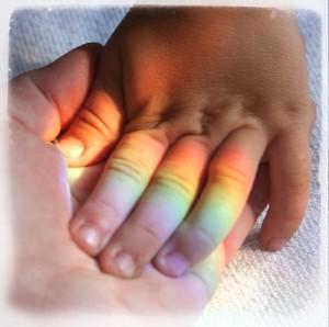 baby-rainbow-fingers